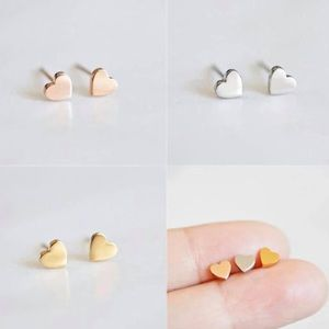 Dainty Heart Stud earrings 💖